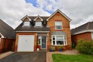 Tamar Place, Cotswold Rise, Evesham, WR11 3FD